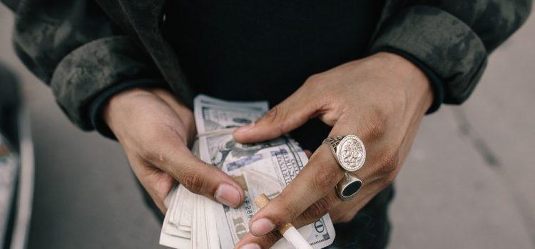 Kto všetko vás môže obrať o peniaze?