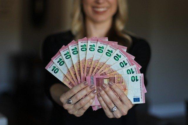 Prednosti a úskalia okamžité pôžičky