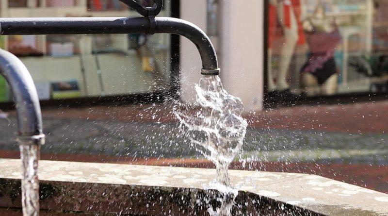 Voda za posledné roky zdražela o stovky percent. Ako s ňou šetriť?